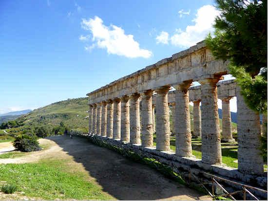 segesta-temple3